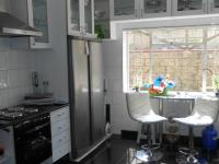 Kitchen - 19 square meters of property in Cyrildene