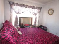Bed Room 1 - 12 square meters of property in Birchleigh North