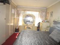 Main Bedroom - 17 square meters of property in Birchleigh North
