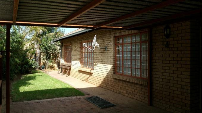 2 Bedroom House for Sale For Sale in Emalahleni (Witbank)  - Private Sale - MR127520