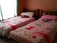 Bed Room 1 - 13 square meters of property in Emalahleni (Witbank)