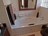 Main Bathroom - 7 square meters of property in Moreletapark