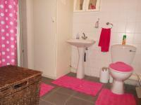 Main Bathroom - 6 square meters of property in Ferndale - JHB