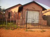3 Bedroom 1 Bathroom in Etwatwa