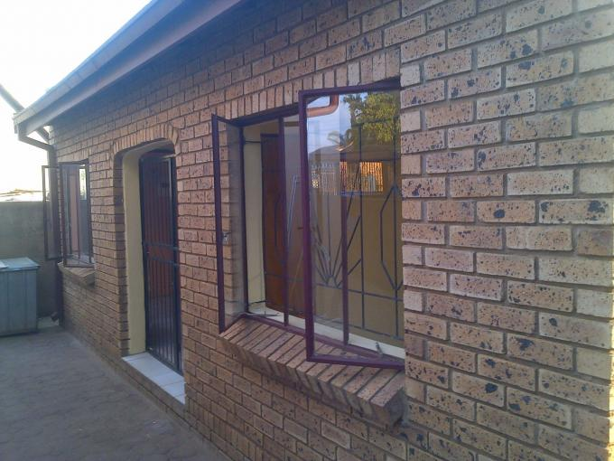 2 Bedroom House for Sale For Sale in Soshanguve - Private Sale - MR127850