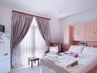 Bed Room 1 - 18 square meters of property in Silver Stream Estate