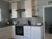 Kitchen - 16 square meters of property in Vaalpark