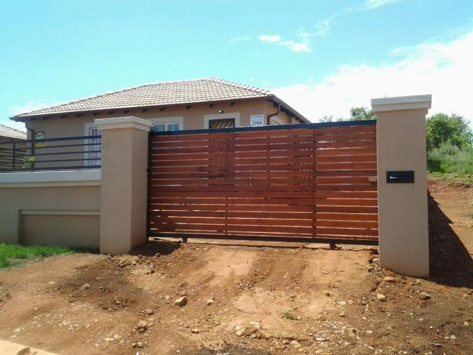 3 Bedroom House For Sale in Elandspoort - Private Sale - MR128042