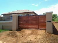 3 Bedroom 2 Bathroom in Elandspoort