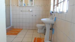 Main Bathroom - 12 square meters of property in Westpark