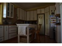 Kitchen of property in Porterville