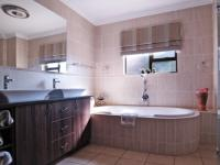 Main Bathroom - 8 square meters of property in Cormallen Hill Estate