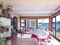 Patio - 25 square meters of property in The Meadows Estate
