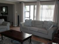 Lounges - 27 square meters of property in Parklands