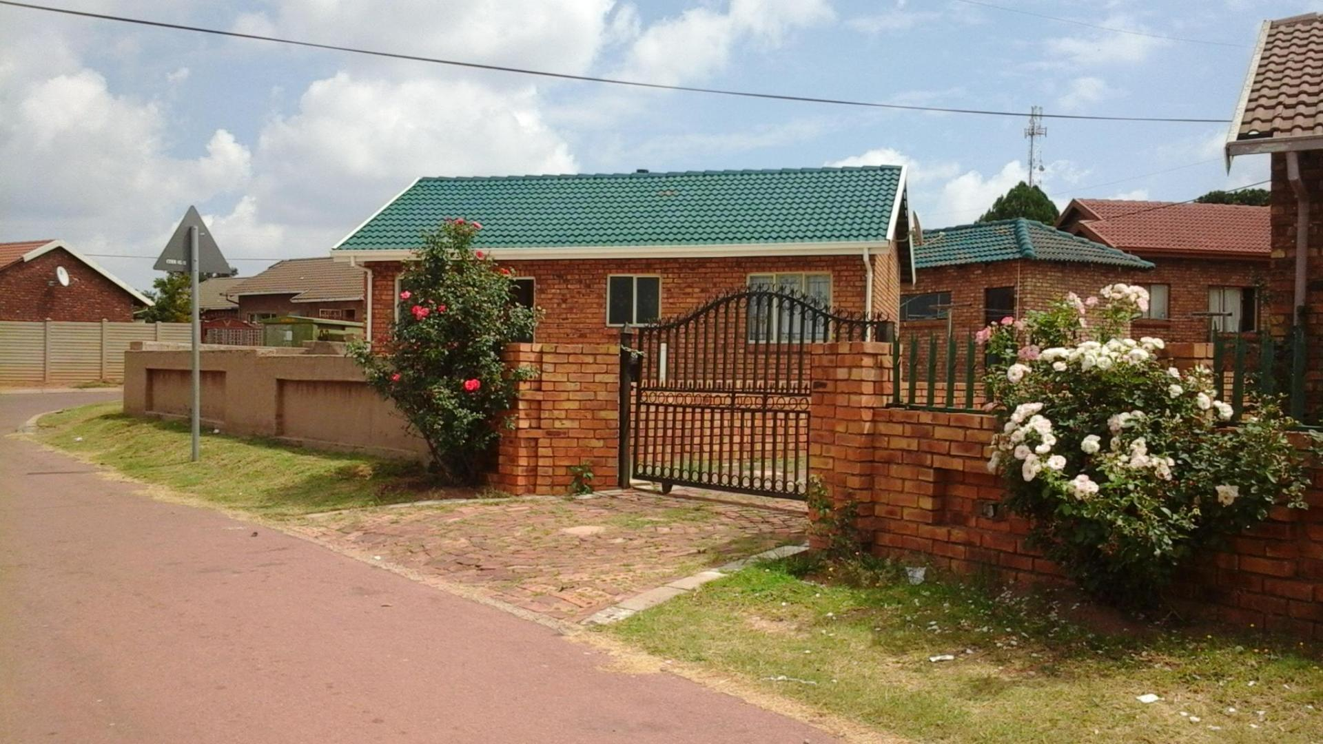 Front View of property in Cullinan