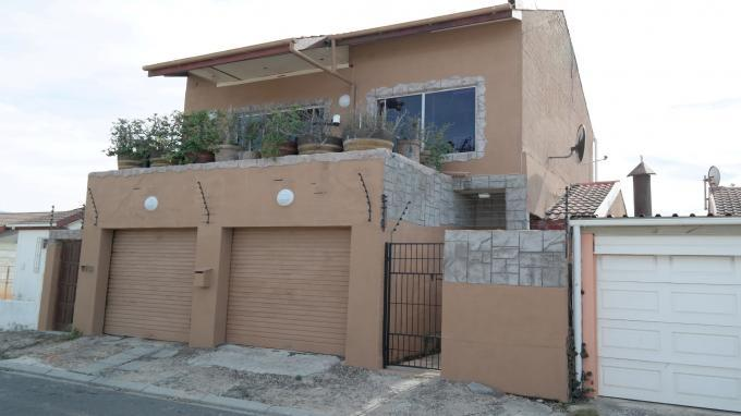4 Bedroom House for Sale For Sale in Muizenberg   - Private Sale - MR128303