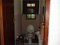 Bathroom 2 - 4 square meters of property in Port Alfred