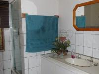 Bathroom 1 - 8 square meters of property in Port Alfred