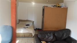 Main Bedroom - 22 square meters of property in Pretoria Central