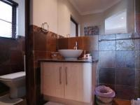 Bathroom 3+ - 6 square meters of property in Willow Acres Estate