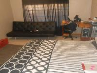 Bed Room 1 - 40 square meters of property in Mnandi AH