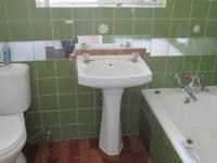 Main Bathroom - 7 square meters of property in Winchester Hills