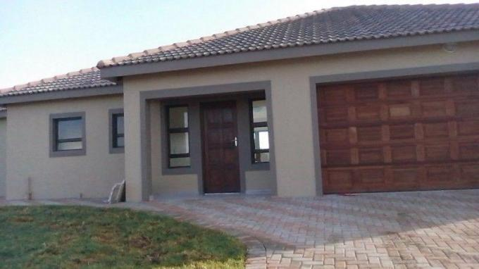 2 Bedroom House for Sale For Sale in Potchefstroom - Private Sale - MR128512