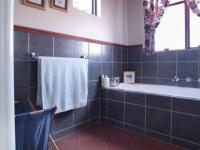 Bathroom 2 - 11 square meters of property in Woodhill Golf Estate