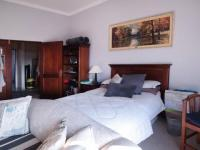 Bed Room 1 - 58 square meters of property in Woodhill Golf Estate