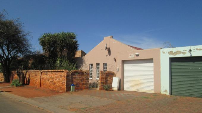 3 Bedroom House for Sale For Sale in Eldorado Park A/H - Home Sell - MR128675