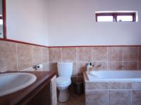 Bathroom 1 - 16 square meters of property in Willow Acres Estate
