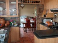 Kitchen - 15 square meters of property in Kraaifontein