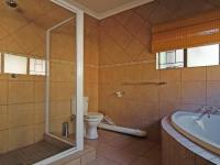 Bathroom 1 - 9 square meters of property in Moreletapark