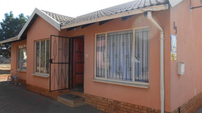 3 Bedroom House for Sale For Sale in Geelhoutpark - Private Sale - MR128830