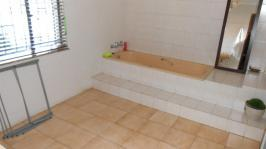 Main Bathroom - 12 square meters of property in Gezina