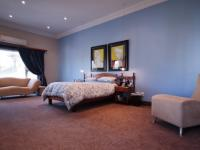 Main Bedroom - 57 square meters of property in The Wilds Estate