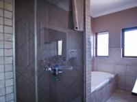 Main Bathroom - 7 square meters of property in Silver Stream Estate