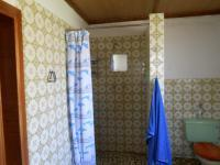 Bathroom 1 - 11 square meters of property in Hennenman
