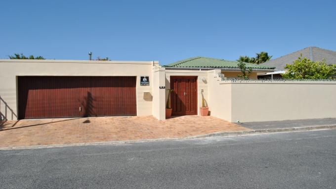 3 Bedroom House For Sale in Strand - Private Sale - MR128953