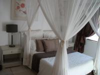Bed Room 1 - 36 square meters of property in Krugersdorp