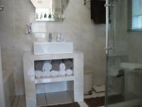 Main Bathroom - 17 square meters of property in Krugersdorp