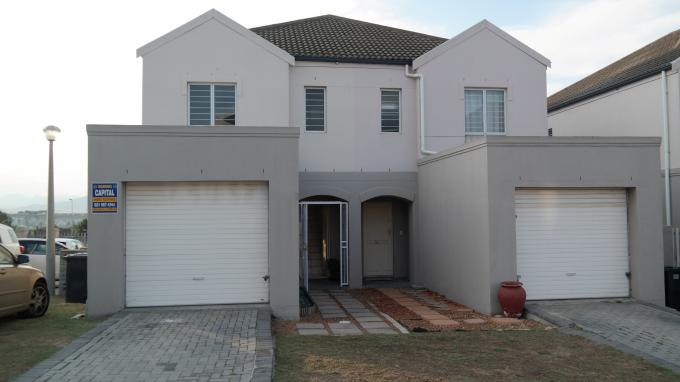 3 Bedroom Duplex for Sale For Sale in Vredekloof Heights - Home Sell - MR129008