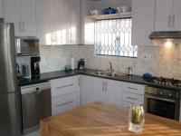Kitchen - 19 square meters of property in Vredekloof Heights