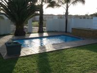 Garden of property in Sunningdale - CPT