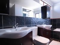 Main Bathroom - 8 square meters of property in Willow Acres Estate