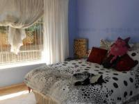 Bed Room 1 - 17 square meters of property in Palm Ridge