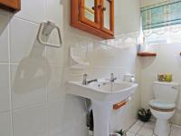 Bathroom 3+ - 15 square meters of property in Moreletapark