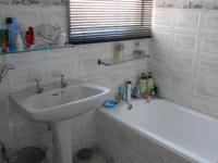 Bathroom 1 - 5 square meters of property in Sharon Park
