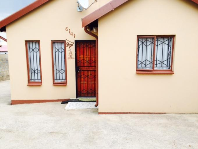 2 Bedroom House for Sale For Sale in Soweto - Home Sell - MR129136