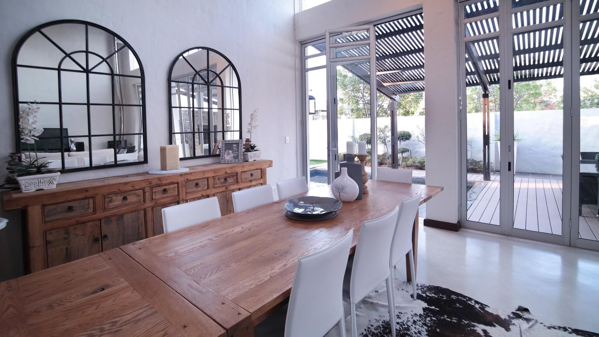 Dining Room - 23 square meters of property in Silver Lakes Golf Estate